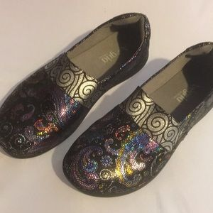 Algeria Glee Style Surreally Pretty slip on shoes